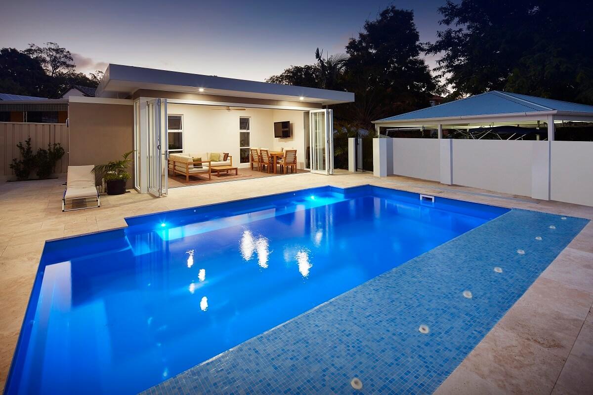 Venice Pool 7.6m x 4.4m 9